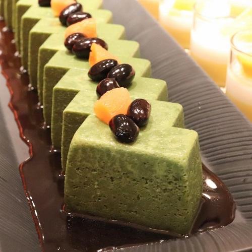 ザテラス|ウェスティンホテル東京のランチブッフェ 抹茶のケーキ