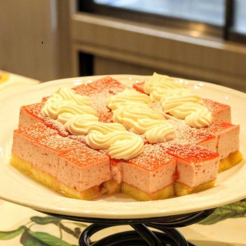 リラッサ(東京ドームホテル)のビュッフェ|ストロベリーケーキ