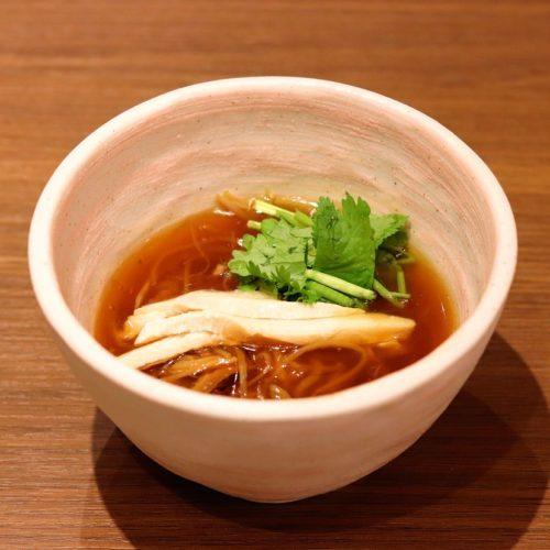 一休掲載|エトワール(第一ホテル東京ホテル)のビュッフェ|ふかひれと鶏肉のあんかけラーメン