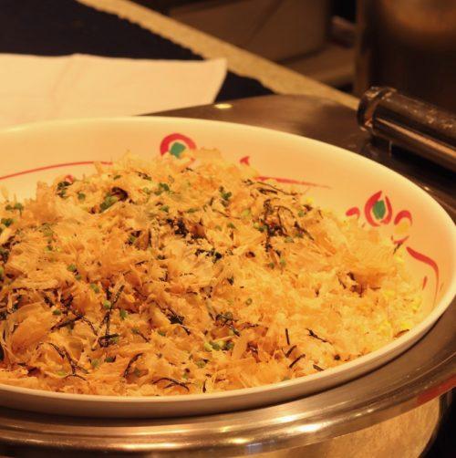 リラッサ(東京ドームホテル)のビュッフェ|北海道産鮭節の炒飯