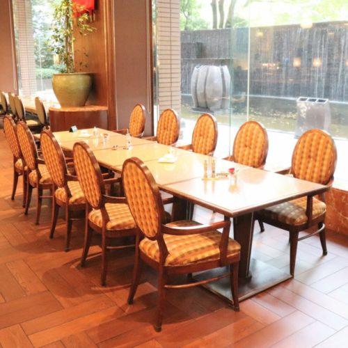 一休掲載|シンフォニー(ロイヤルパークホテル)のビュッフェ|テーブル席