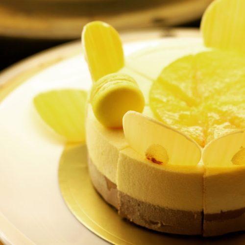 一休掲載|クロスダイン(ホテルメトロポリタン)のビュッフェ|レモンのムースケーキ