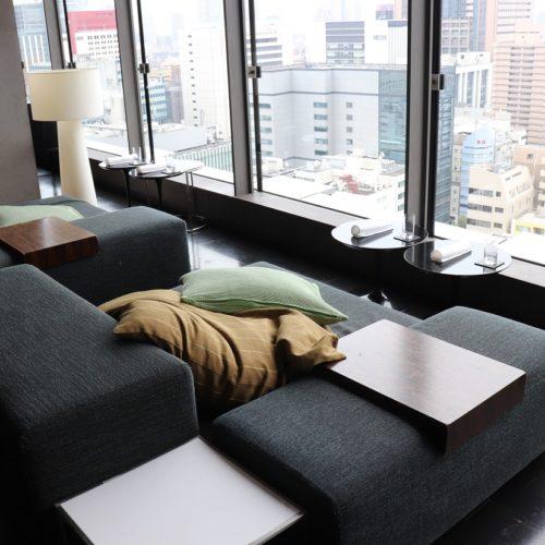 一休掲載|sky(三井ガーデンホテル銀座プレミア)のビュッフェ|ソファー席2