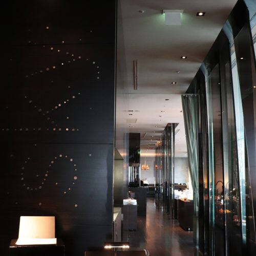 一休掲載|sky(三井ガーデンホテル銀座プレミア)のビュッフェ|skyエントランス