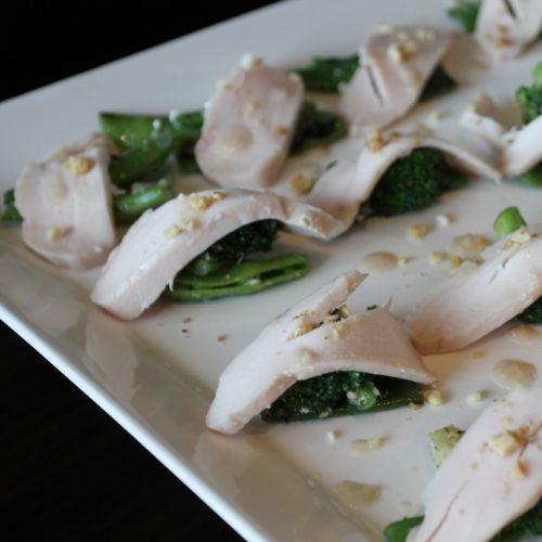 一休掲載|sky(三井ガーデンホテル銀座プレミア)のビュッフェ|鶏胸肉のコンフィと緑の野菜