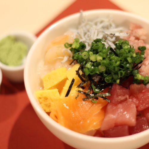 プリンスマルシェ(新宿プリンスホテル)のビュッフェ|海鮮丼