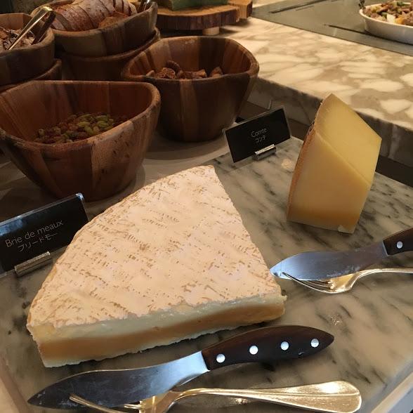 フレンチキッチン(グランドハイアット東京)のビュッフェの高級チーズ