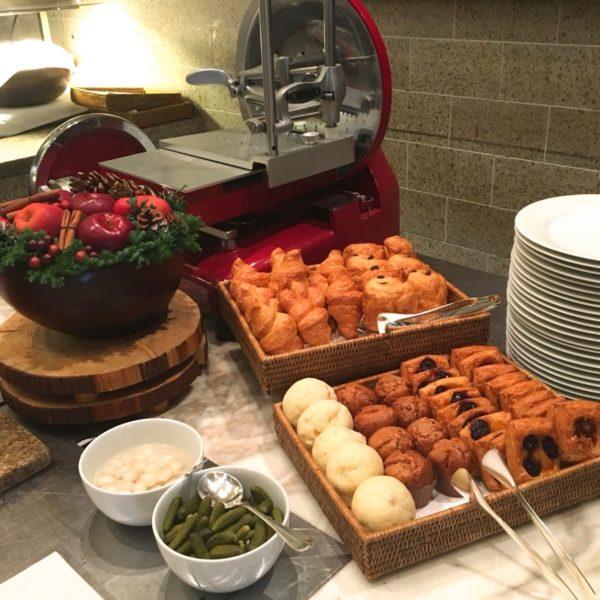 フレンチキッチン(グランドハイアット東京)のビュッフェのパン各種