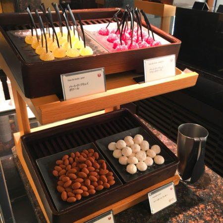 ザクロ(グランドプリンスホテル新高輪)のビュッフェの小菓子