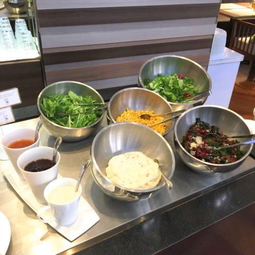 ラパランツァ(第一ホテルアネックス)のビュッフェのサラダコーナー