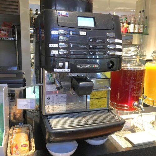 ラパランツァ(第一ホテルアネックス)のビュッフェのコーヒーマシーン