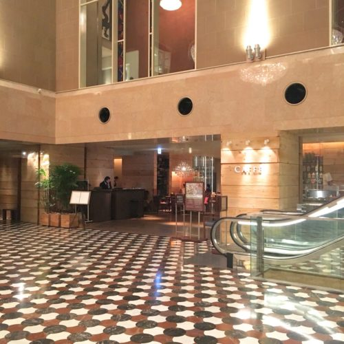 カフェ(ハイアットリージェンシー東京)のビュッフェのレストラン入口