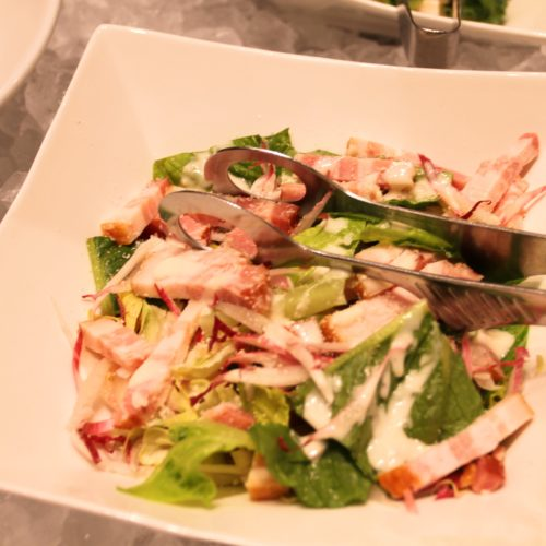 ベルテンポ(ホテルメトロポリタンエドモント)のビュッフェのシーザーサラダ
