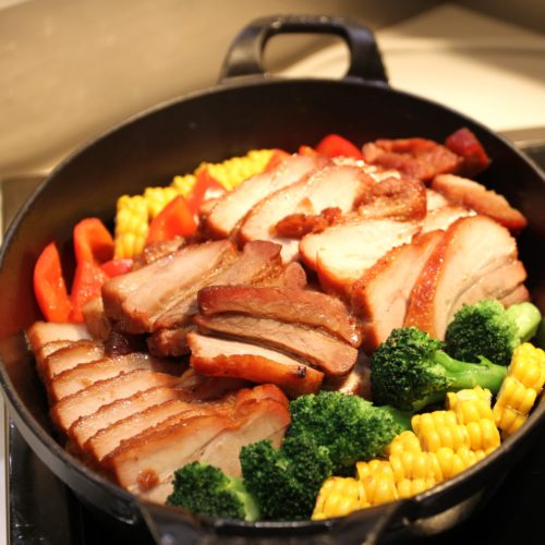 ベルテンポ(ホテルメトロポリタンエドモント)のビュッフェの豚ばら肉のあぶり焼