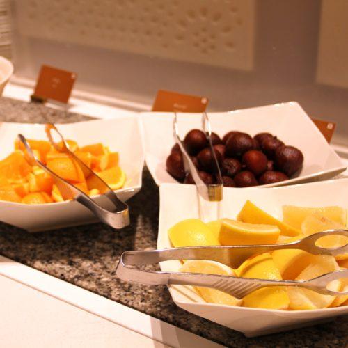 ベルテンポ(ホテルメトロポリタンエドモント)のビュッフェのフルーツ
