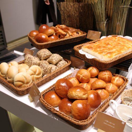ベルテンポ(ホテルメトロポリタンエドモント)のビュッフェのパン