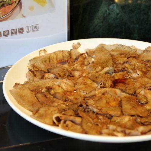 タワービュッフェ(ホテルニューオータニ)のビュッフェの豚肉