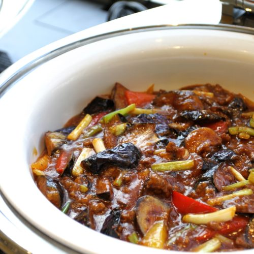 タワービュッフェ(ホテルニューオータニ)のビュッフェの茄子とひき肉の炒め物