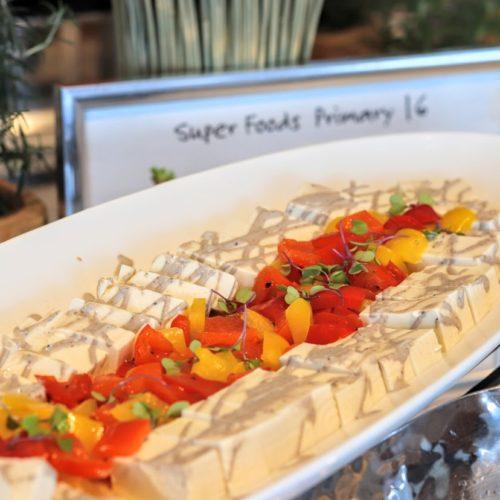 シースケープ(ヒルトン東京お台場)のビュッフェの豆腐とパプリカのマリネ