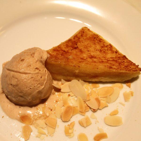 フレンチキッチン(グランドハイアット東京)のビュッフェのフレンチトーストとアイス