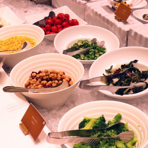 ベルテンポ(ホテルメトロポリタンエドモント)のビュッフェのサラダコーナー