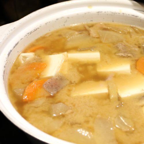 SAI(ミレニアム三井ガーデンホテル東京)のビュッフェの手羽先と大根煮