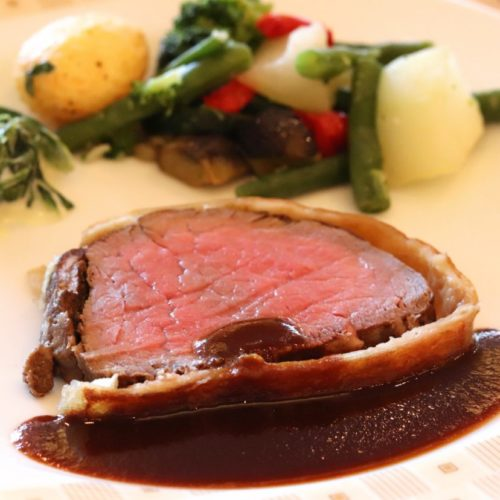 サール(帝国ホテル)のビュッフェの牛フィレ肉のパイ包み焼き2