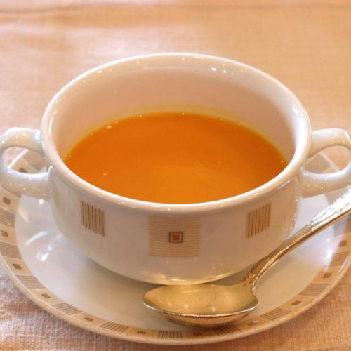 サール(帝国ホテル)のビュッフェの人参のクリームスープ
