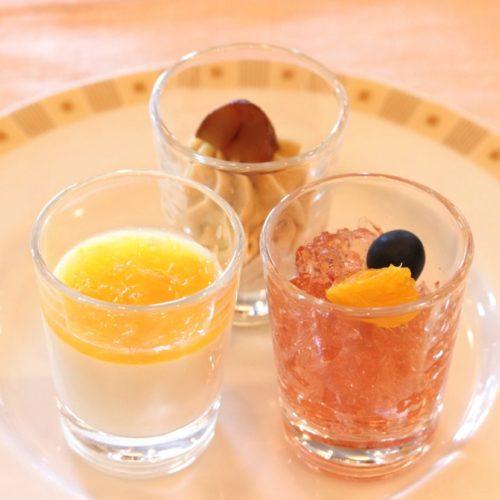 サール(帝国ホテル)のビュッフェのグラスデザート