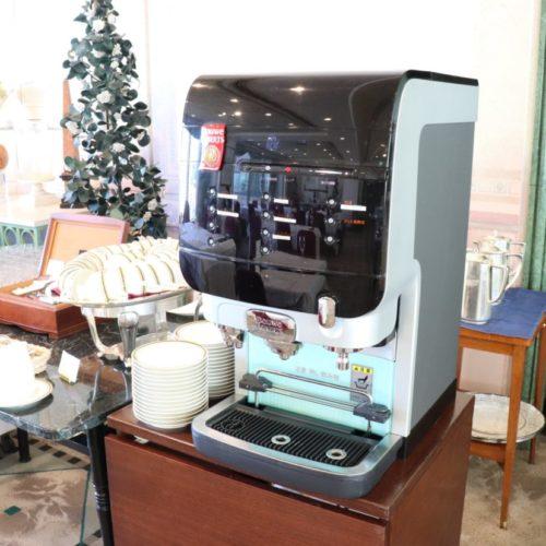 パラッツオ(ロイヤルパークホテル)のビュッフェのコーヒーマシーン