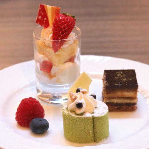 SAI(ミレニアム三井ガーデンホテル東京)のビュッフェのケーキ各種