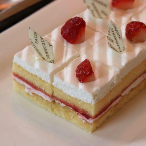 ハーモニー(ロイヤルパークホテル汐留)のビュッフェのショートケーキ