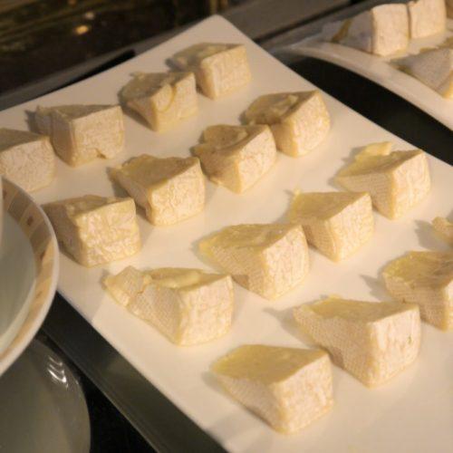 サール(帝国ホテル)のビュッフェのカマンベールチーズ