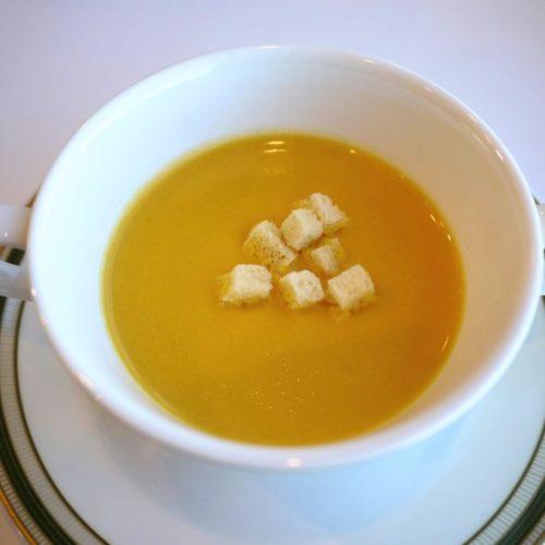 パラッツオ(ロイヤルパークホテル)のビュッフェのスープ