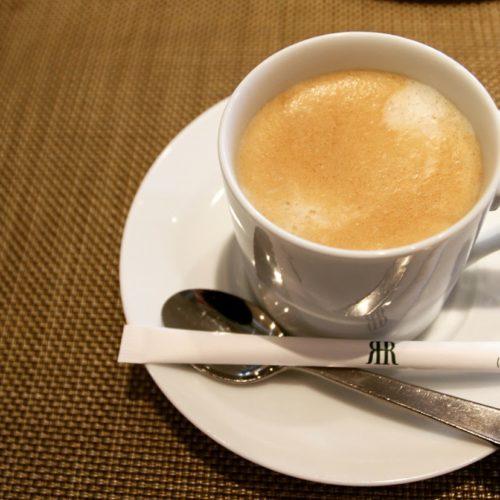フェリオ(リーガロイヤルホテル東京)のビュッフェのカフェラテ