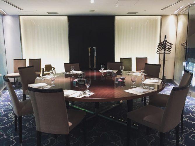 グラスコート(京王プラザホテル)のビュッフェの席4