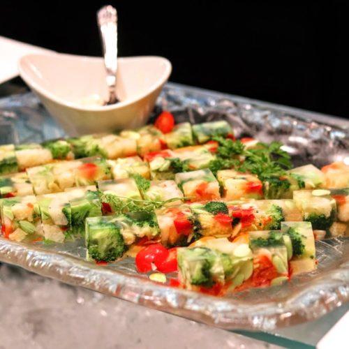 グラスコート(京王プラザホテル)のビュッフェの彩り野菜のゼリー寄せ