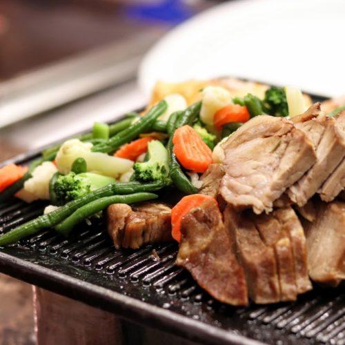 グラスコート(京王プラザホテル)のビュッフェの彩り野菜