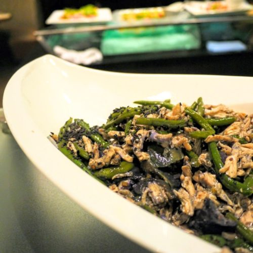 グラスコート(京王プラザホテル)のビュッフェの黒酢マリネ