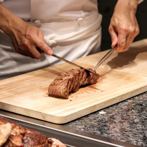 カナデテラスのランチビュッフェ|牛もも肉