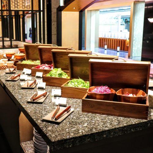カナデテラス(ホテル雅叙園東京)のビュッフェのサラダ