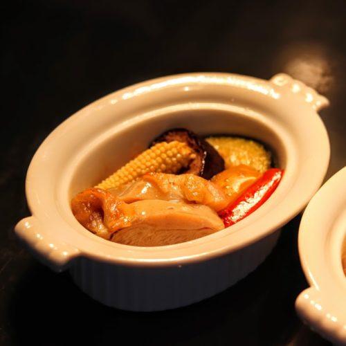 ポルト(東京プリンスホテル)のビュッフェのチキンと野菜のソテー