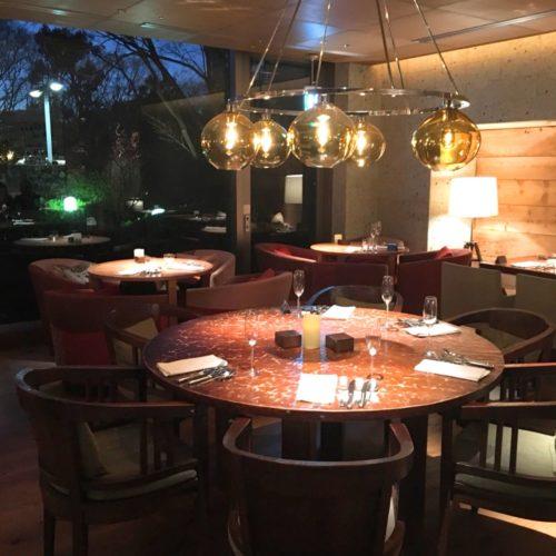 ハイアットリージェンシー『カフェ』のビュッフェの席2