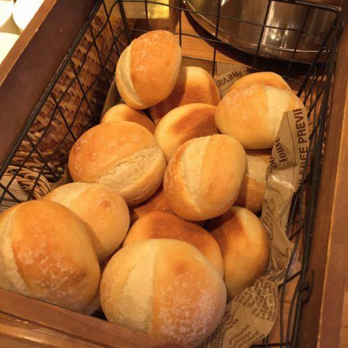 パンケーキ食べ放題のカエラのパン