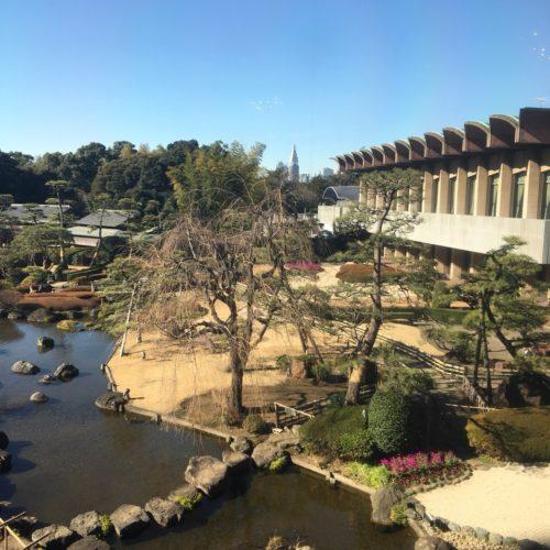 ガーデンラウンジの日本庭園