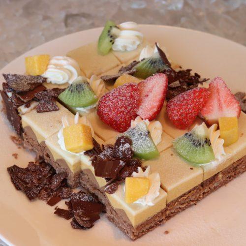 ラヴェラ横浜のビュッフェ|ケーキ