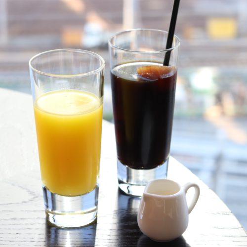 フォーシーズンズホテル丸の内東京の朝食のフレッシュジュース