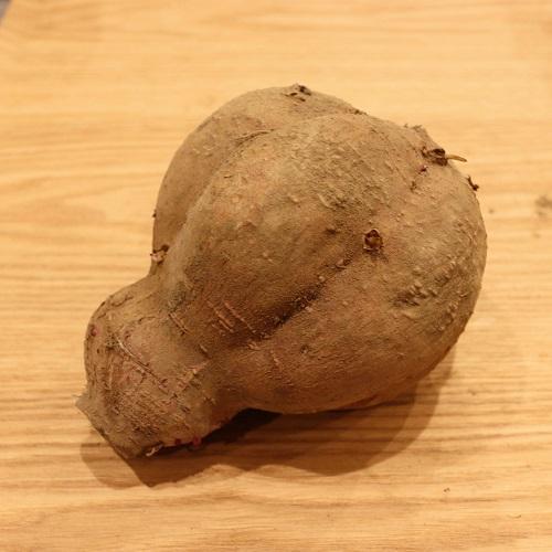 カボチャ型の安納芋