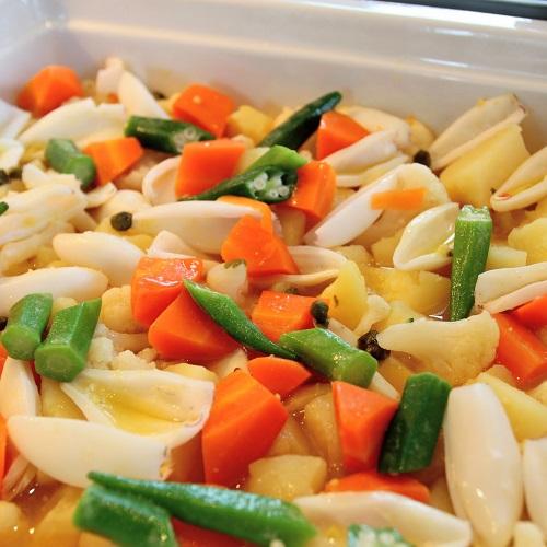 ヤリイカと野菜 サフランの香るスープ仕立て
