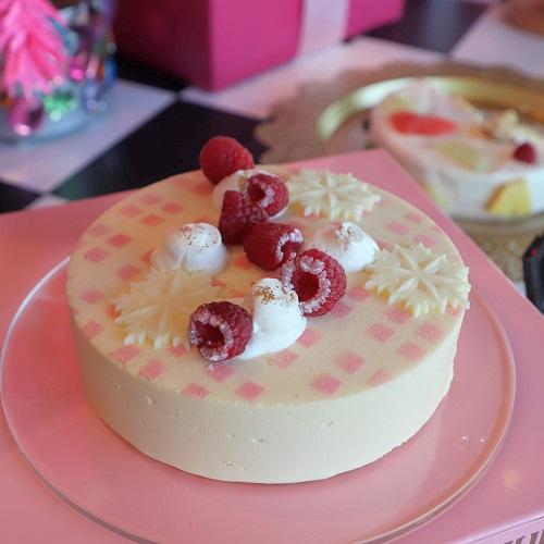 ピンクの雪が積もればいいのに ラスベリーホワイトチョコレートムースケーキ